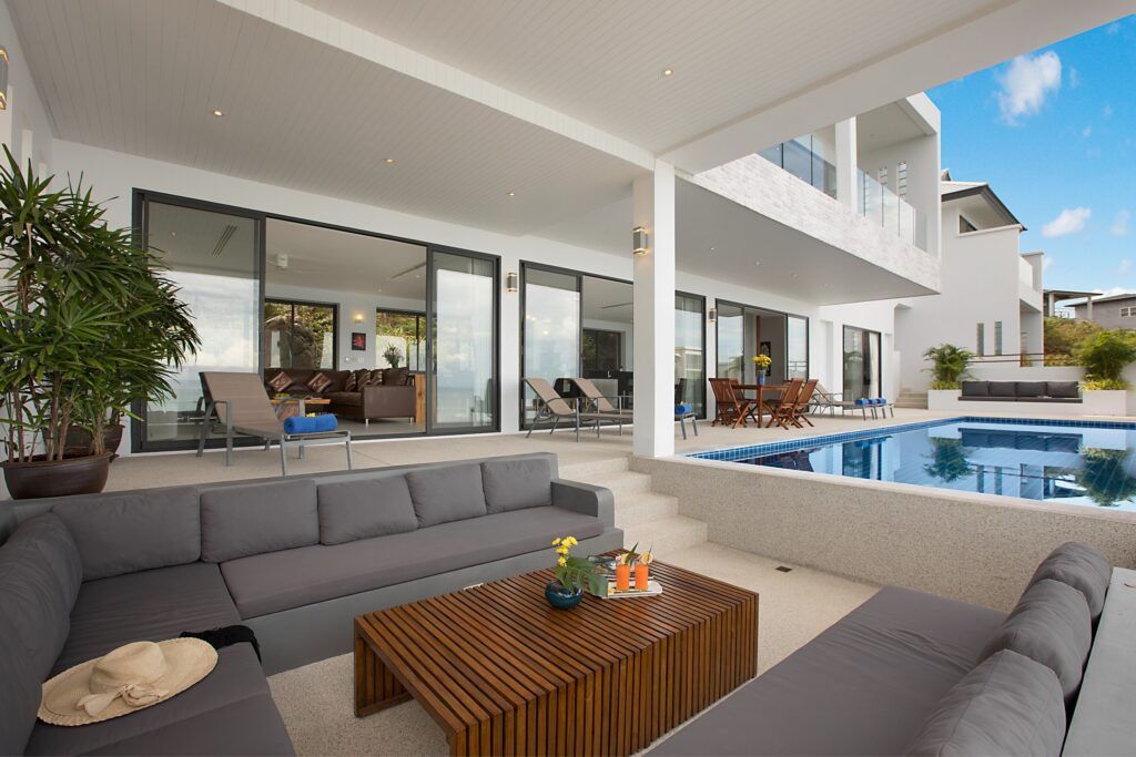 Lounge by pool